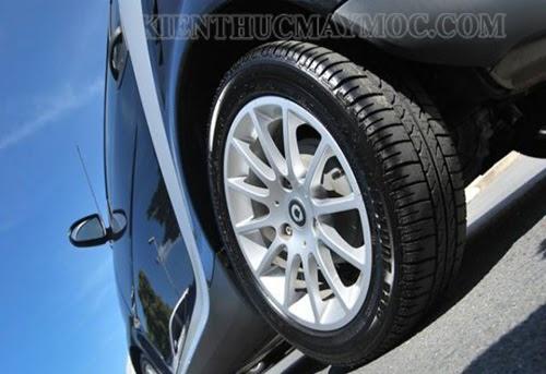 Lốp xe là một trong những bộ phận quan trọng của xe