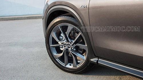Lốp trước xe ô tô bơm bao nhiêu cân