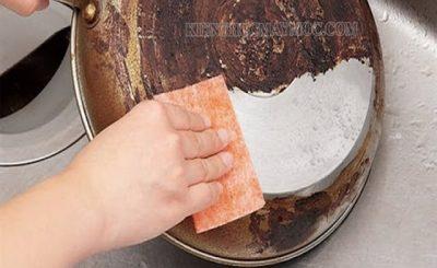 Cách làm sạch xoong nồi bị đen hiệu quả