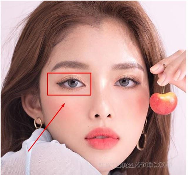 Nháy mắt phải thường báo điềm gì?