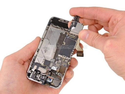 Có rất nhiều nguyên nhân khiến loa trong điện thoại nghe nhỏ