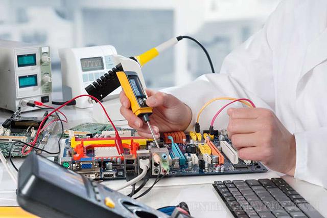 Nhân lực làm việc trong ngành điện công nghiệp cần có những kỹ năng gì?